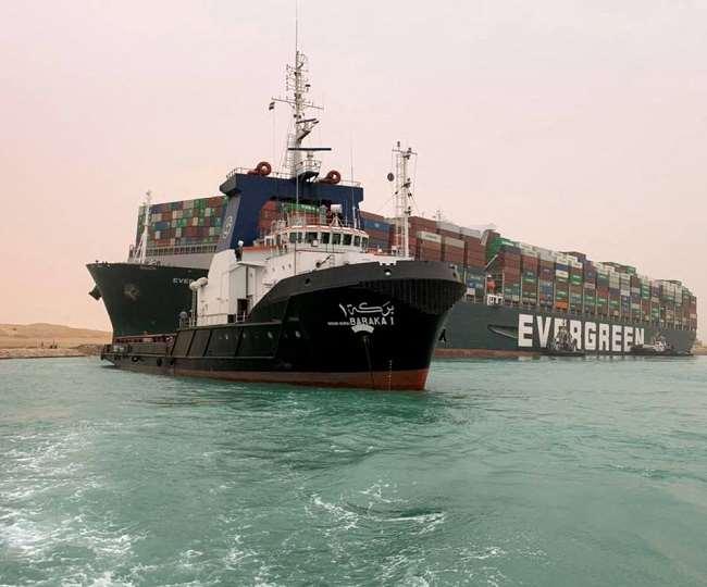 मार्ग अवरुद्ध होने से 400 से अधिक जहाजों का लग गया था जमावड़ा।