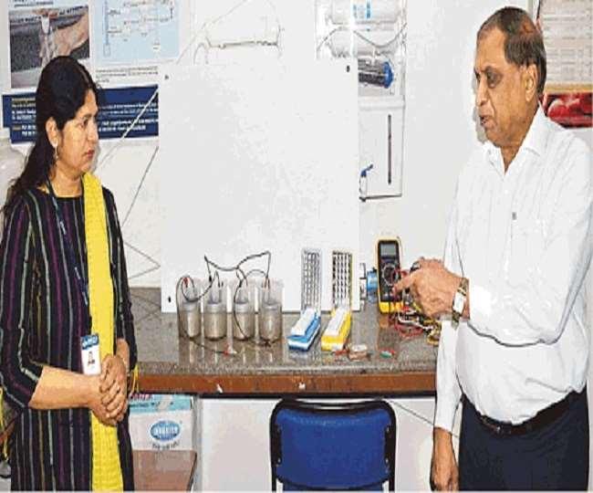 वर्ष 2019 में डॉ. वीके जैन को इंडियन वाटर वीक में जल मंत्री द्वारा सम्मानित किया जा चुका है।