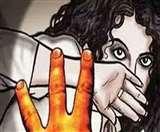 Bareilly Crime : बरेली में महिला से दुष्कर्म का प्रयास, विरोध पर गला दबाया Bareilly News
