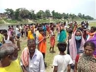 बूढ़ी गंडक नदी की तेज धारा में बहे चार बच्चे, एक की मौत