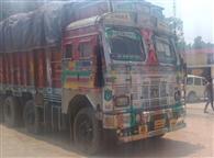 लालगंज में पकड़ा गया 321 क्विटल गेहूं लदा ट्रक