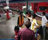 महाराष्ट्र से 12 घंटे विलंब से लोहरदगा पहुंची श्रमिक स्पेशल ट्रेन, गुमला-खूंटी के प्रवासी सबसे ज्यादा