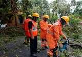 Cyclone Amphan: एम्फन चक्रवात के 10 दिन बाद भी बंगाल में राहत और बचाव कार्यों में जुटी है एनडीआरफ की टीमें