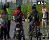 Delhi-haryana border पर सख्ती जारी, दिल्ली से सटे चार जिलों को रेड जाेन में लाने की तैयारी