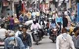 बाजार खुलने से लौटी रौनक, दुकानदारों ने दिखाई मनमानी Moradabad News