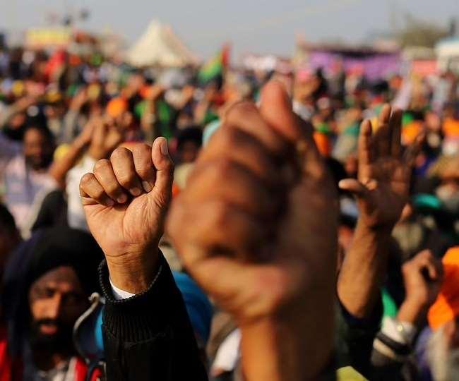 Kisan Andolan At UP Border: राकेश टिकैत के खिलाफ इंटरनेट मीडिया पर फूटा गुस्सा, जानें- किसे बताया 'नकली किसान'