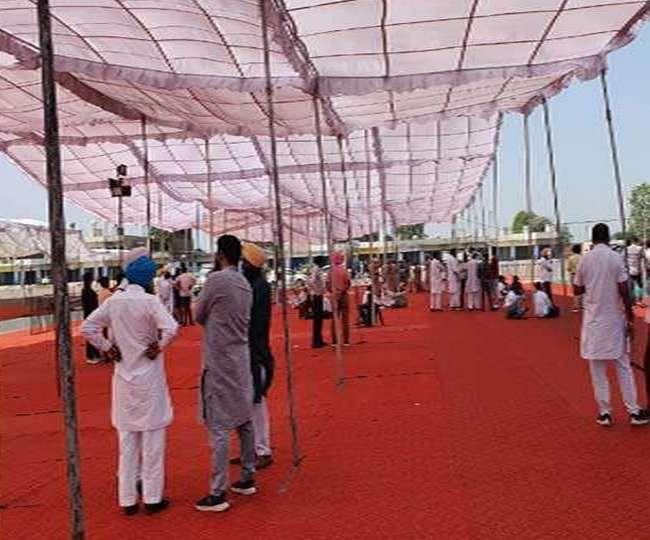 Kejriwal arrives in Amritsar
