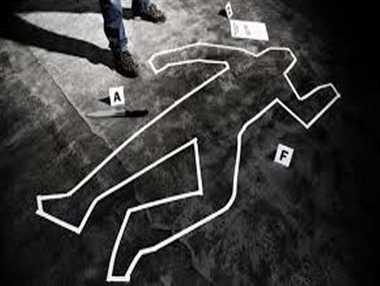 संदिग्ध हालत में छत से गिरकर युवती की मौत