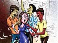 शोहदों के डर से छात्राओं ने छोड़ा कॉलेज