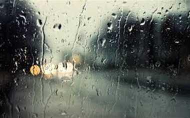 आधे घंटे की बारिश में ही डूब गईं शहर की सड़कें