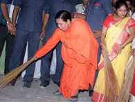 करीबियों के करीब रहीं उमा भारती