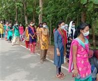 जमशेदपुर लौटीं गुजरात में फंसी 22 युवतियां