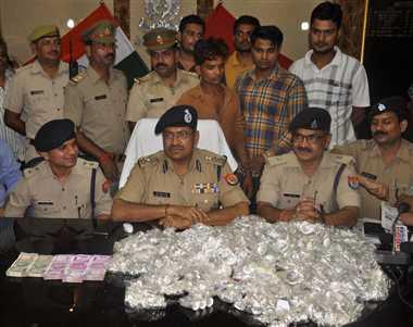 चांदनी चौक पर सर्राफ से लूटी कार और नकदी कानपुर में मिली