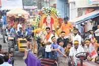 कान्हा जन्मोत्सव: नाथ नगरी में निकली दधिकांदो शोभायात्रा
