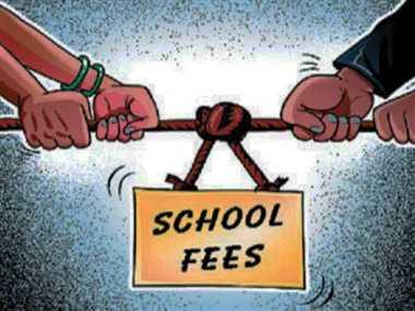 मनमानी करने वाले 15 स्कूलों को वापस करनी होगी फीस