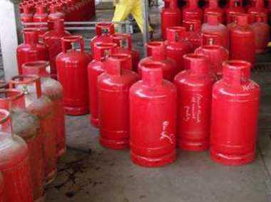 रूट डायवर्जन से गैस गोदाम हो गए खाली, हो सकती है गैस की दिक्कत