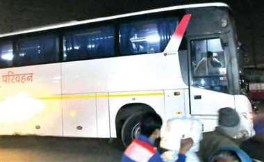 बसों के सफर में चकनाचूर यात्रा दर्पण