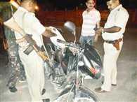 कांड्रा में ट्रांसपोर्टर पर अपराधियों ने की फाय¨रग