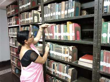 बिना गुरु कैसे पढ़ें कैथी रामायण