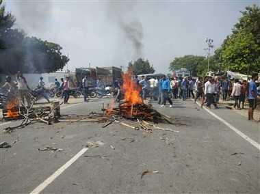 बिहार : छपरा में करंट लगने से तीन वर्षीय मासूम की मौत पर हंगामा