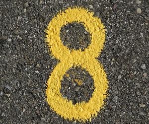 अंकशास्त्र: 8 अंक वाले होते हैं महत्वाकांक्षी, करियर में उच्च स्थिति तक पहुंचते हैं