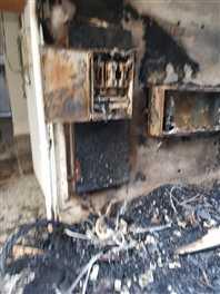 गुल पैलेस में आग से 16 परिवार फंसे, बालकनी से कूदकर बचाई जान