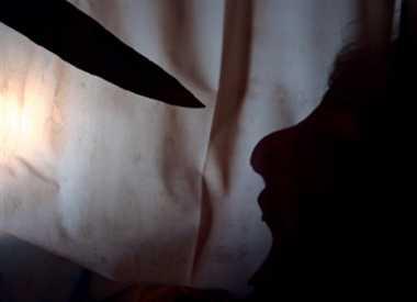 कुदाल से महिला को उतारा मौत के घाट
