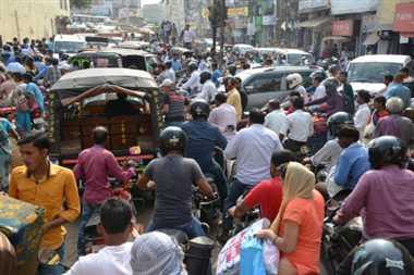 गाडि़यों के सैलाब में डूब रही स्मार्ट सिटी की यातायात व्यवस्था