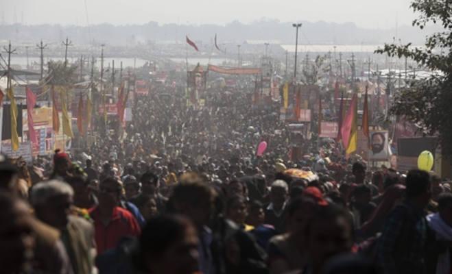 प्रयागराज कुंभ 2019 : 1.5 करोड़ से अधिक लोगों ने लगाई डुबकी,तस्वीरों में देखें अंतिम शाही स्नान पर साधुओं का अजब-गजब रूप
