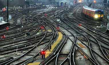 रेलवे में कुछ नहीं बदला.