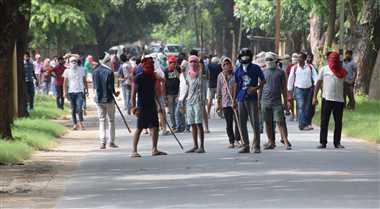 वाराणसी : क्लास में घुसकर आधा दर्जन छात्रों की पिटाई