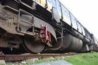 शंटिंग में इंजन पटरी से उतरा, दिल्ली-हावड़ा रूट बाधित