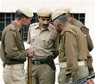 25 हजार का ईनामी एनकाउंटर में पुलिस की गोली से घायल