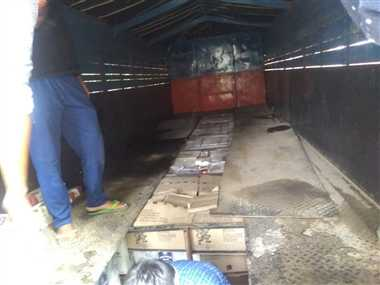 ट्रक में केबिन बनाकर अवैध शराब की तस्करी