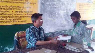 हिन्दी और गणित में कमजोर हैं बेसिक स्कूल के बच्चे