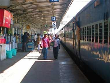 रेलवे पैसेंजर्स की सुरक्षा के साथ खिलवाड़