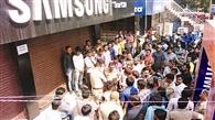शोरूम से 22 लाख रुपये के मोबाइल चोरी