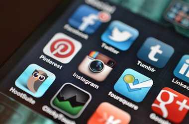 फेसबुक और ट्विटर पर ट्रैफिक पुलिस सेल्फिश