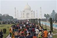 शनिवार और  रविवार को 50 हजार पर्यटकों ने देखा ताज