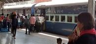 ट्रेनों में हाईटेक हो गई एस्कॉर्ट मॉनीटरिंग