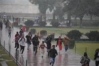 बारिश ने दिनभर भिगोया, जनजीवन ठप