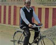 हर दिन पांच किमी साइकिल चलाते हैं डा पीके झा