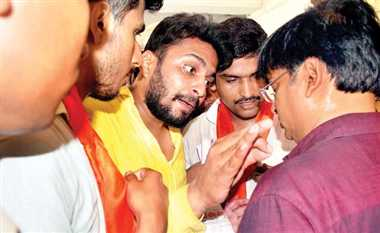 एबीवीपी कार्यकर्ताओं और प्रिंसिपल में झड़प