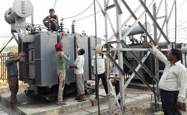 बिजली कटौती की टेंशन, छिन रही लोगों का सुख-चैन