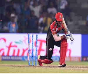 IPL 2018: खूब चला विराट का बल्ला, बैंगलोर ने दिल्ली को उसके ही घर में 5 विकेट से हराया