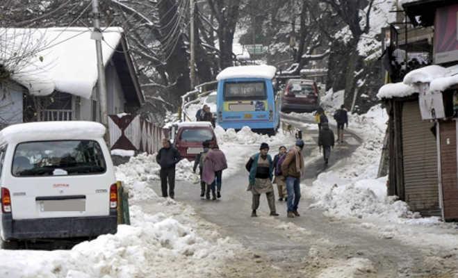 माैसम : यूपी-एमपी में गिर सकते आेले,पहाड़ी राज्यों में बर्फबारी आैर कोहरे में डूबी रहेगी दिल्ली