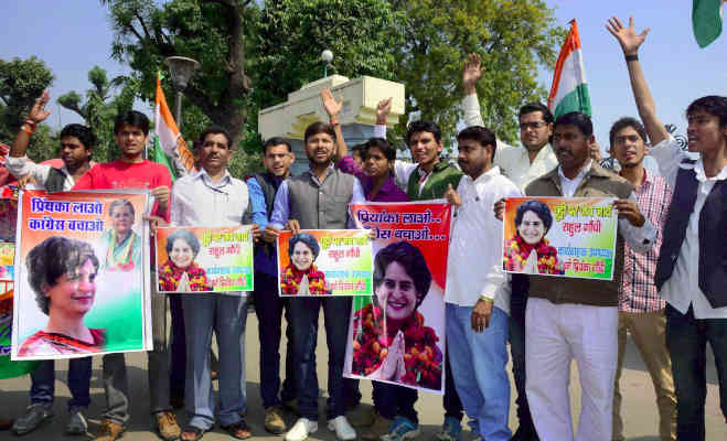 'प्रियंका लाआे कांग्रेस बचाआे',5 साल से कार्यकर्ता लगा रहे थे गुहार