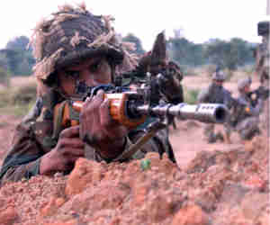 जम्मू कश्मीर : मुठभेड़ के दौरान मारे गए दो आतंकी,  एक जवान शहीद