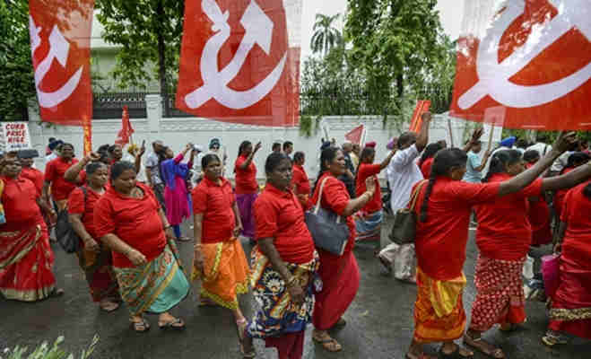 हजारों किसान-मजदूरों ने रामलीला मैदान से संसद तक किया मार्च,दिल्ली हुर्इ जाम