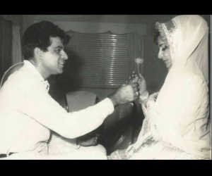इन तस्वीरों में देखें दिलीप कुमार और सायरा बानो का प्यार, जानें उनकी लव स्टोरी